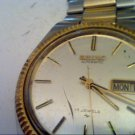 VINTAGE SEIKO AUTO 17 JEWEL WATCH RUNS 4U2FIX BAND GLAS