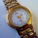 CUTE SMALL LADIES SECOND HAND SEIKO QUARTZ WATCH RUNS