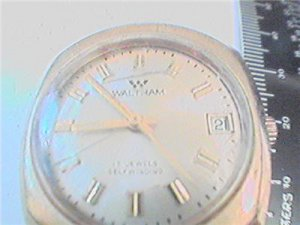 VINTAGE WALTHAM DATE AUTOMATIC WATCH RUNS NEEDS GLASS