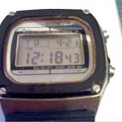 VINTAGE 200M CASIO DW-1000 LCD ALARM CHRONO WATCH RUNS