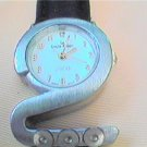 UNUSUAL 2000 SHAPE LADIES QUARTZ WATCH RUNS