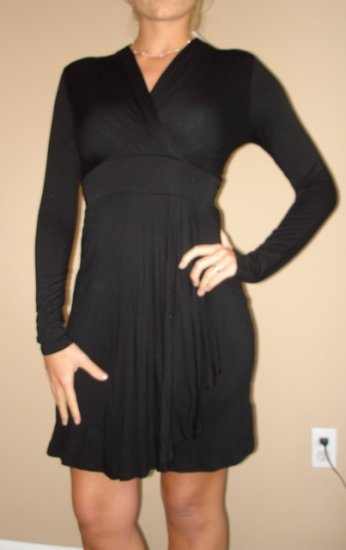 NWT FOREVER 21 black long sleeve surplice dress (sz S)