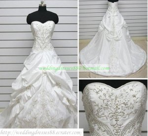 Strapless White Taffeta Embroider Ruffled Applique Beaded Chapel Train Wedding Dress Bridal Gown S26