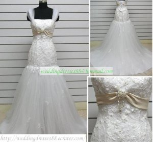 Mermaid Strapless White Lace Tulle Ruffled Applique Beaded Wedding Dress Bridal Gown S44