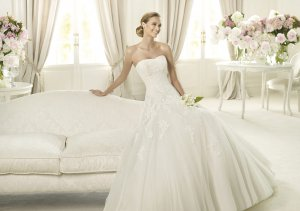 2013 Strapless White Ivory Tulle Alencon Lace Aplique Beaded Bridal Gown wedding dress