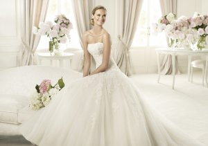 2013 Hot Sale White Ivory Tulle Alencon Lace Pleat Aplique Beaded Bridal Gown wedding dress