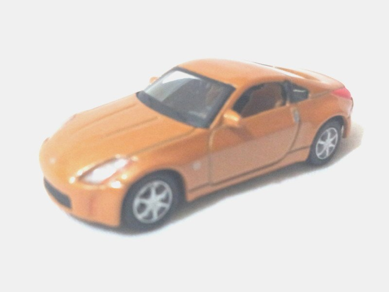 Nissan 350Z   Golden rod 1/72 Die Cast Model Car