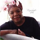 POET MAYA ANGELOU SIGNED PHOTO 8X10 RP AUTOGRAPHED * AUTHOR