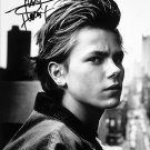 RIVER PHOENIX SIGNED POSTER PHOTO 8X10 RP AUTOGRAPHED PICTURE