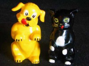 Fifi & Fido KenLration Dog Food Promotion S&P Shakers