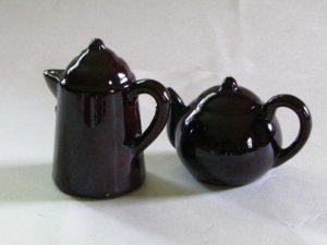 Brown Teapot and Coffee Pot Salt & Pepper Shakers