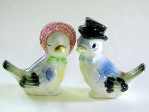 Palmar Kissing Lovebirds in Hats Salt & Pepper Shakers