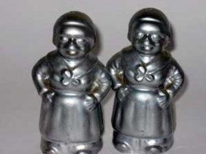 Black Americana Silver Dipped Housemaids Salt & Pepper Shaker