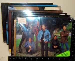 7-- FRAMED COUNTRY MUSIC STARS PHOTOS--BRAND NEW