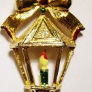 VTG GERRYS CHRISTMAS LANTERN GOLDTONE PIN BROOCH *Gift Quality Condition
