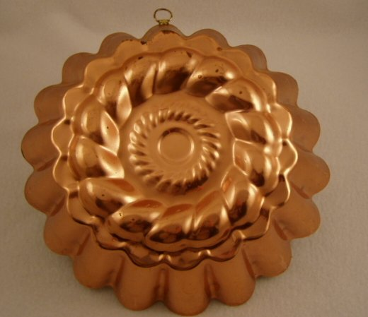 Vintage Decorative Copper Tin Lined Cake or Jello Mold Fluted Portugal