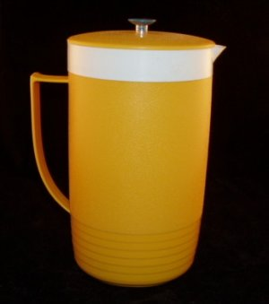 Vintage 1960's Sun Frost Therm O Ware Thermal Pitcher Gold 2 qt