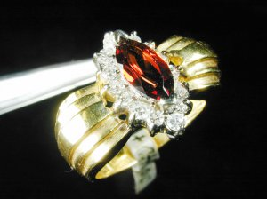 18k Solid Yellow Gold Lady&#039;s Ring Pigon Blood Red Garnet &amp; Diamond Sz 7 R1307-750
