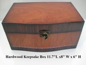 Beautiful Keepsake Box w/Artworks on top. Ten Oil Paintings to choose