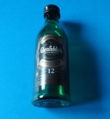 GLENFIDDICH SPECIAL RESERVE 12 YEAR SCOTCH WHISKEY MINIATURE GLASS BOTTLE