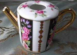 tiny decorative tea pot