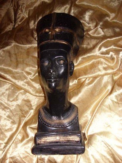 Large Ebony Nefertiti Bust