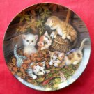 Kahla Porzellan Kitten Expeditions In the Leaves Versteckspiel im Laub porcelain plate 1997