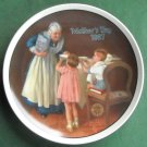 Norman Rockwell Vintage Mothers Day 1987 Edwin M Knowles wall plate
