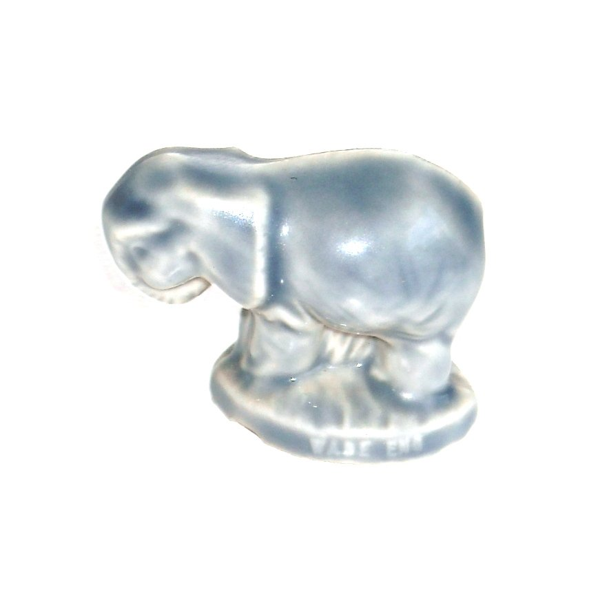 Female Elephant Wade England Red Rose Tea Figurine No 289
