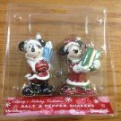 DISNEY CHRISTMAS SANTA SALT & PEPPER SHAKER NEW