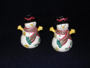 Sango The Sweet Shoppe Christmas Snowman Salt and Pepper Shakers