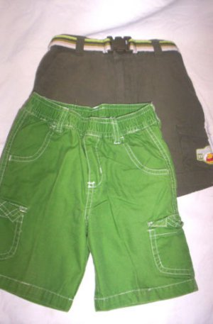 BOYS 24 MONTHS LOT 2 PAIRS OF SHORTS + 1 TOP 3T ALL EUC
