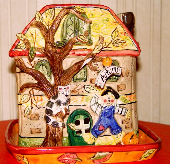 PLANTER - HAND PAINTED Ceramic - SCARECROW HOUSE