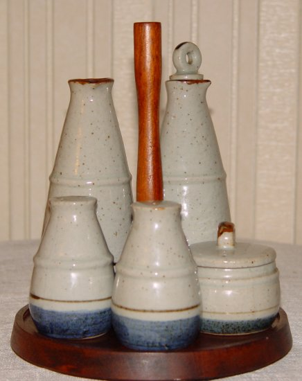Cruet Set - Country or Retro - Ceramic Cruet Set - Country or Retro - OLD