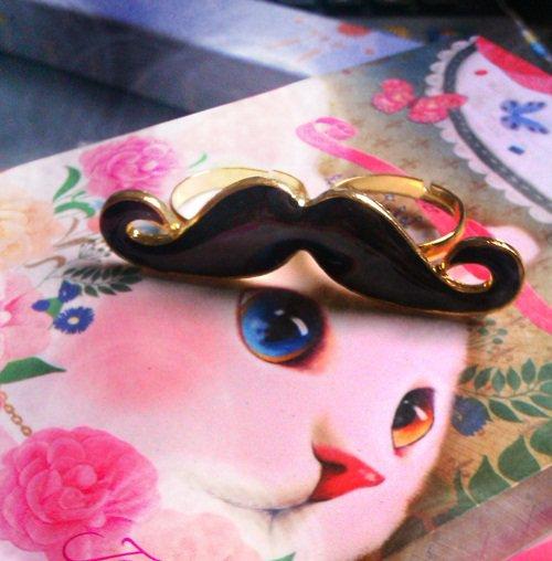 Cute Adjustable Moustache Ring (black)
