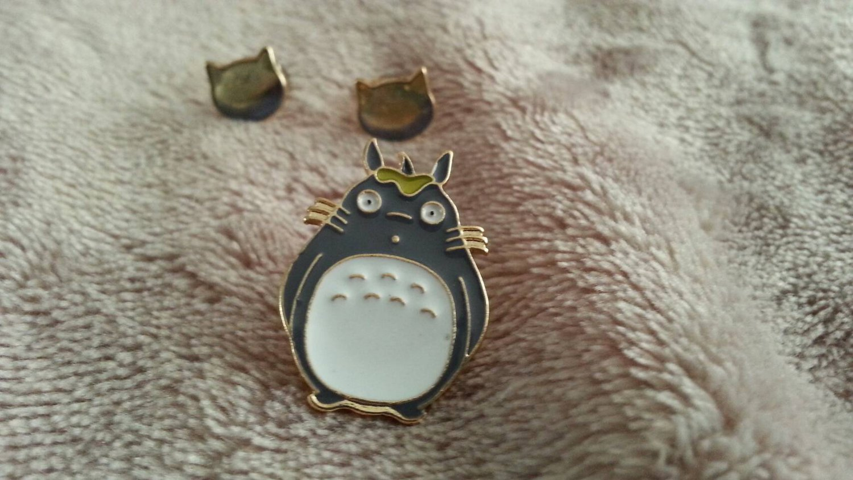 Totoro pin badge 3