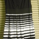 CHARLOTTE RUSSE JUNIORS WOMENS BLACK AND WHITE DRESS, SIZE M