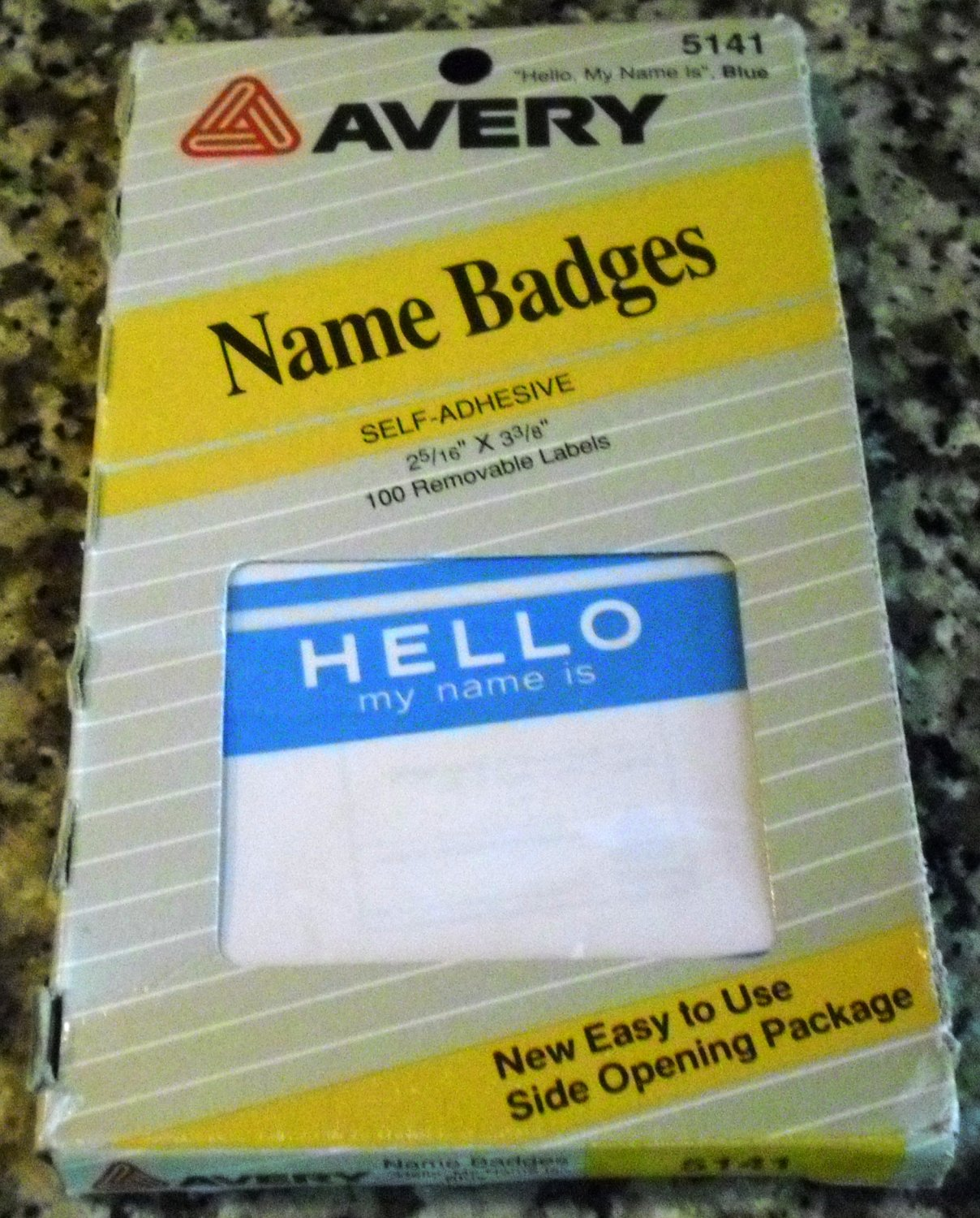 Avery Print or Write Self-Adhesive Name Badges 5141 (Pack of 100)