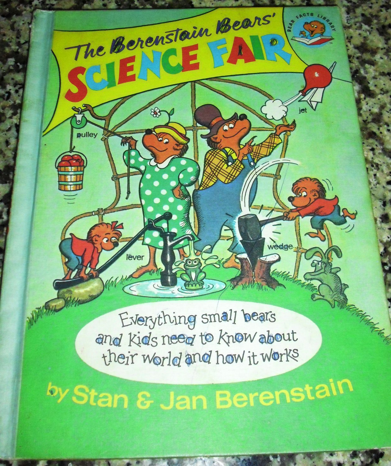 The Berenstain Bears' Science Fair Paperback � March 12, 1984 by S & J Berenstain