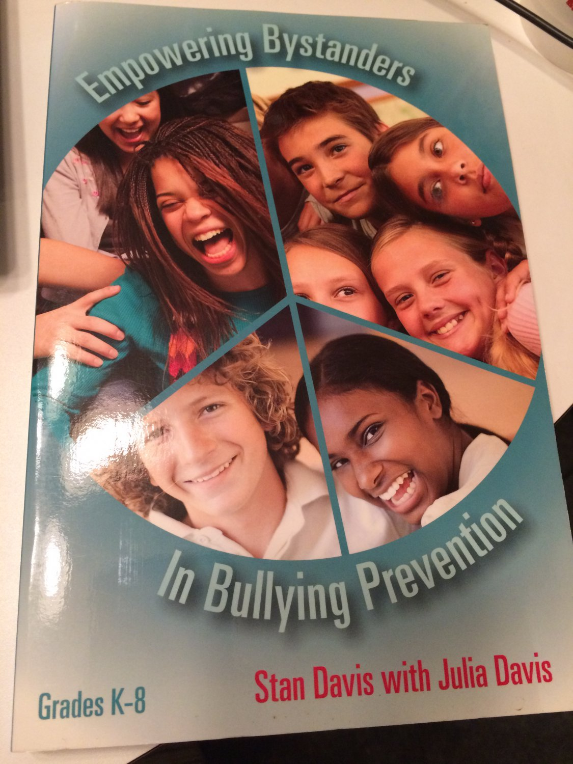 Empowering Bystanders in Bullying Prevention [Paperback] [2007] Stan Davis with Julia Davis