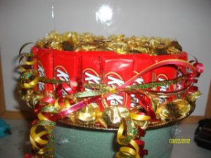 """9"""" Round Kit Kat w/ Werthers Original and Reeses"""