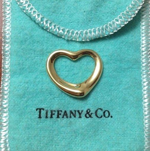 TIFFANY & Co. 18K Gold Elsa Peretti Open Heart Pendant Medium 22mm Wide