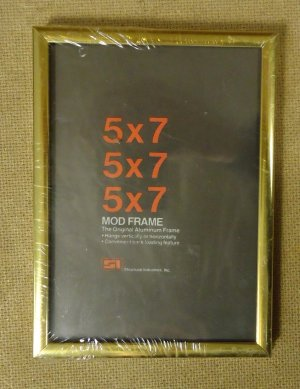 Mod 5x7 Frame 5 1/2in x 7 1/2in x 3/4in Glass Metal Cardboard