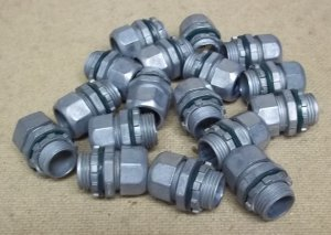 Compression Couplings for 1/2in Conduit Lot of 17