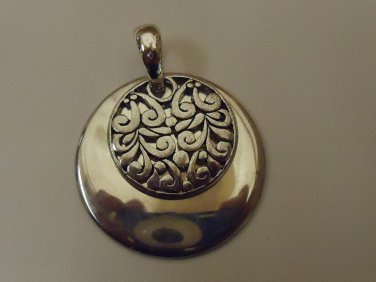 Designer Fashion Pendant 1 1/2in Diameter Metal Unisex Adult Silver