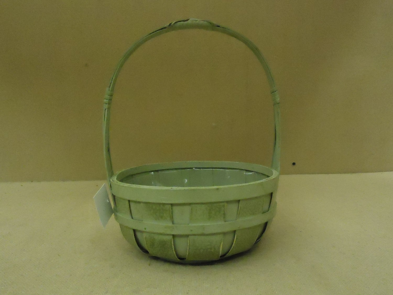 Designer flower basket 12in h x 8in diameter green round plastic liner wood - Diametre cercle basket ...