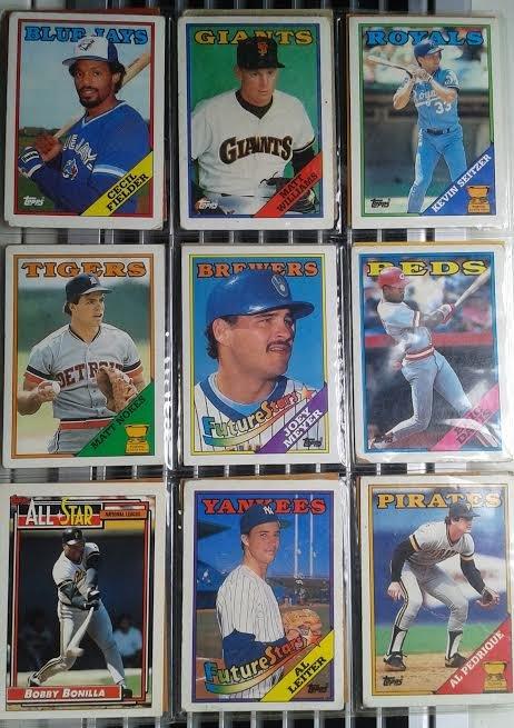 Lot of 18 Baseball cards
