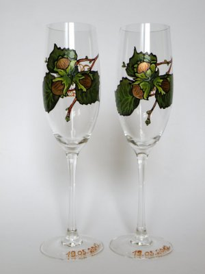 et of 2 Personalized Champagne glasses Hazel Tree- for wedding theme