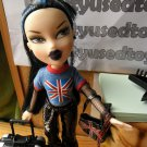 Bratz Doll Pretty N Punk Jade London, pet dog and luggage