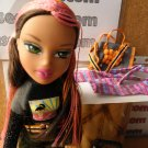 Bratz Tokyo A Go Go Collection - Yasmin doll, luggage,